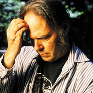 neil_young_forehead_hand