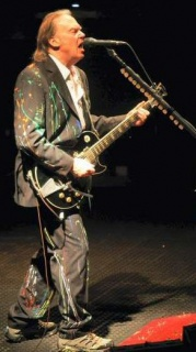2008-manchester-neil-young-2-sm.jpg