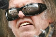 new-orleans-jazz-fest-2009-neil-young-shades-cu-david-grunfeld-x-sm.jpg