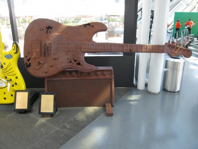 rust-guitar-all.jpg